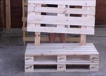 Fresco Assembly Sofa With Pallets