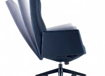 Esotico Poltrona Frau Chancellor High Back Executive Chair