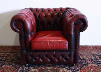 Eccezionale Poltrona Club Chesterfield Originale Made In, Modello Club In Pelle Bordeaux