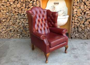 Meraviglioso Poltrona Chesterfield Queen Anne Originale Inglese Vintage In Vera Pelle Color Rossa