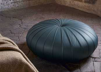 Confortevole Poltrona Frau Esedra Pouf, Dream Design Interiors Ltd